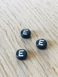 10 x letter E ROND ZWART