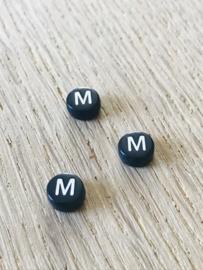 10 x letter M ROND ZWART