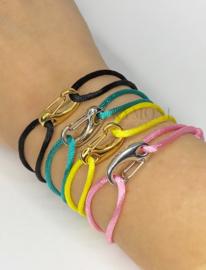 Joëlle in verschillende kleuren