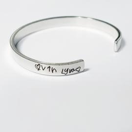 Zilveren (.925) armband handgeschreven tekst, smal 6mm breed