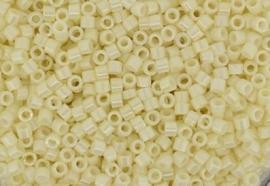 Miyuki Delica Bead -033 Pearl Cream