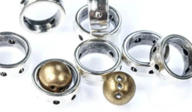2-Hole Halo Beads Antique Silver 12