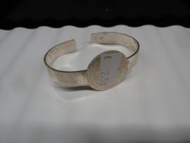 Zilverkleurige Armband om te decoreren