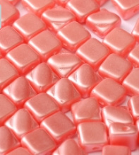 Silky Beads 2-hole 6x6mm Pastel Lt. Coral