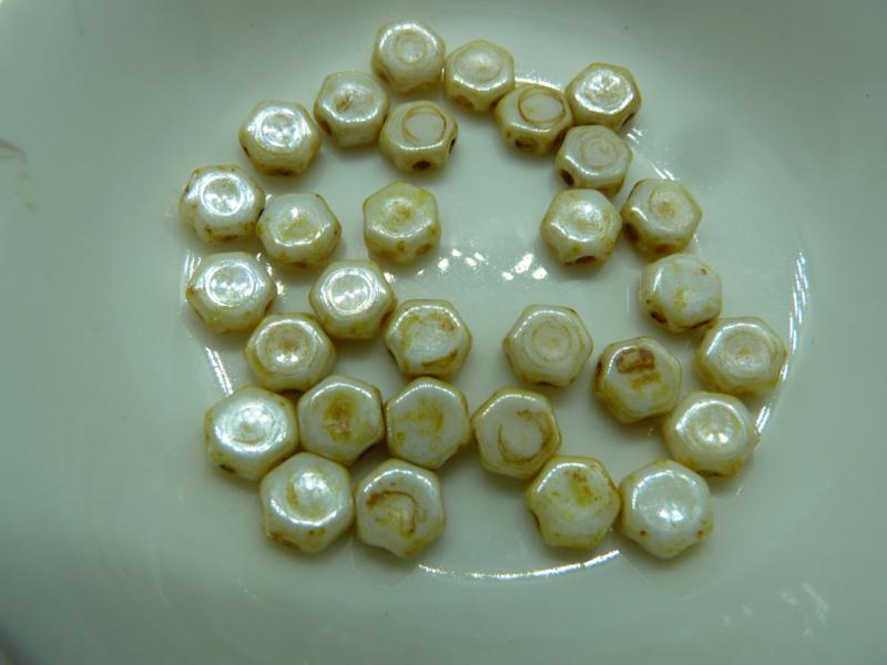 Honeycomb Beads 6mm Honey Drizzle- 65401