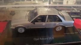 Schaalmodel Opel Rekord SR/E 1/43