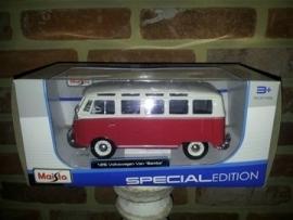 Schaalmodel Volkswagen Van Samba  1/24
