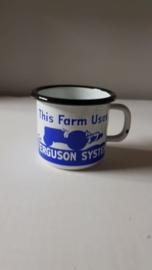 Tas/mok in emaille Massey Ferguson