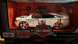 Schaalmodel  2011 Ford Mustang GT Harley Davidon 1/24