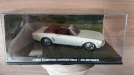 Schaalmodel  Ford Mustang Convertible James Bond collectie  1/43