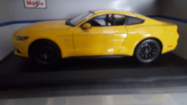 Schaalmodel Ford Mustang 2015