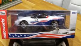 Schaalmodel 2004 Chevrolet Corvette Indy 500 Pace Car  1/18
