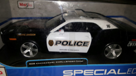 Schaalmodel Dodge Challenger Concept 2006 1/18