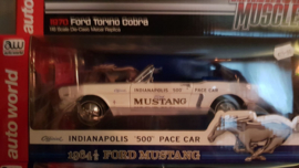 """Schaalmodel Ford Mustang official indianapolis """"500"""" pace car 1/18"""