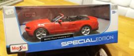 Schaalmodel  2010 Ford Mustang GT  1/18