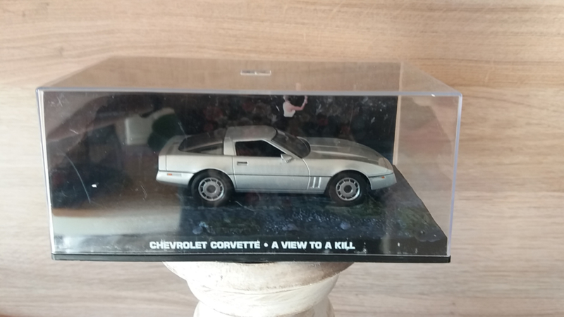 Schaalmodel Chevrolet Corvette James Bond collectie  1/43