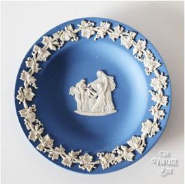 Wedgwood Jasperware klein blauw schoteltje