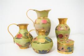 Set koperen vazen met bloemmotief