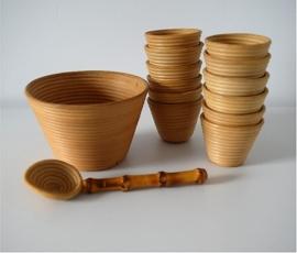 Set bamboeschaaltjes voor zoutjes jaren '50