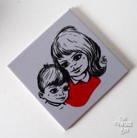Wandtegel Mosa Maastricht meisje en jongentje