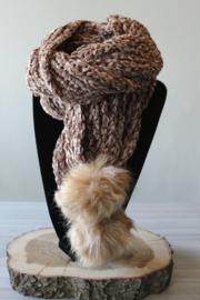 Sjaal chenille pompon bruin