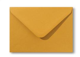 vintage okergele envelop A6 formaat, 11 x 15,6 cm.