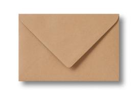 Lichtbruine kraft envelop A6 formaat, 11 x 15,6 cm.