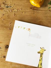 Geboortekaartje Saar! Zoveel liefde voor jou!  Giraffe met slingers