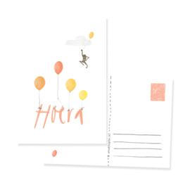 Feestelijke kaart met ballonnen en aapje | HOERA