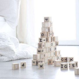 ooh noo alphabet blocks (zwart)