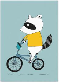 Studio Rainbow Prints - A4 Poster Wasbeer op fiets (blauw)