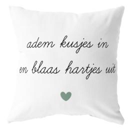 Label-R | Buitenkussen Tekst Adem Kusjes In En Blaas Hartjes Uit (mintgroen hart)