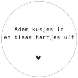 Label-R | Muurcirkel Adem Kusjes In En Blaas Hartjes Uit (hart zwart)