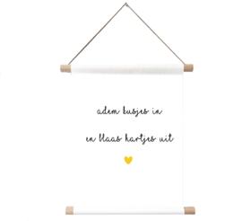 Label-R   Textielposter Adem Kusjes In En Blaas Hartjes Uit (geel hart)