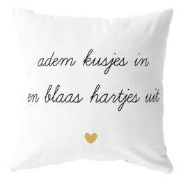 Label-R | Buitenkussen Tekst Adem Kusjes In En Blaas Hartjes Uit (geel hart)