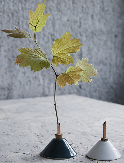 Scandinaviaform bloemenvaasje Consilium (donkergroen)