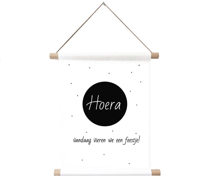 Label-R | Textielposter Hoera Vandaag Vieren We Een Feestje!