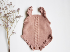 Hand knitted romper / old pink