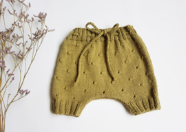 Hand green knitted pant