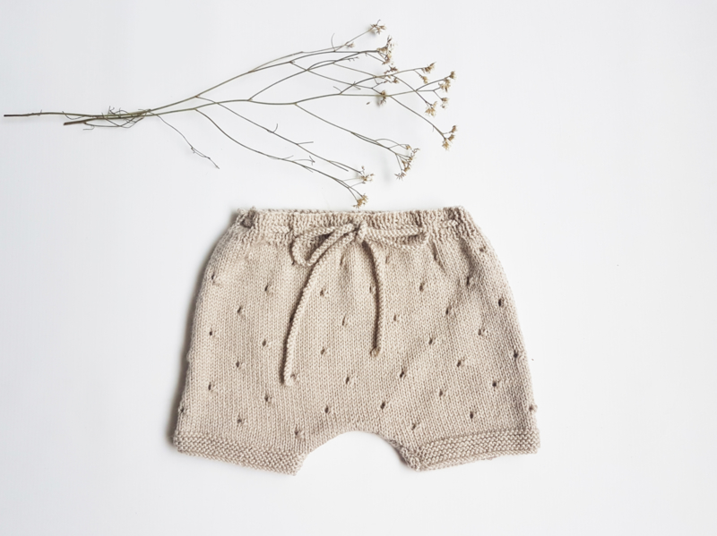 Hand beige knitted pant