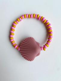 Armbandje schelp roze ByMelo