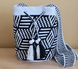 Mini Mochila Black en White striped star