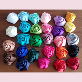 Rolled roses 4 cm