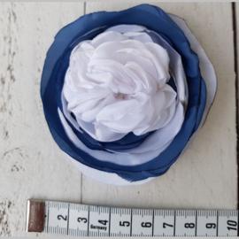 Bloem wit/blauw