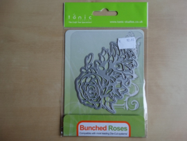 Snij en embossingmal Tonic Rococo 77E Bunched Roses...