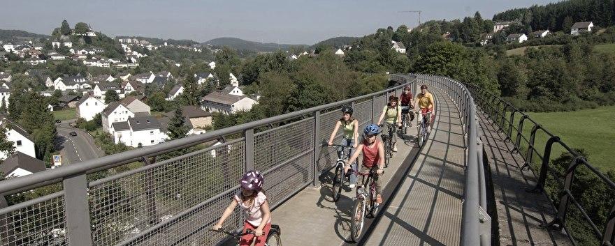 maare-mosel-radweg-viadukt-bei-daun.jpg