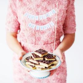 DIY  bakpakket voor luxe Millionaire's shortbread met wenskaart