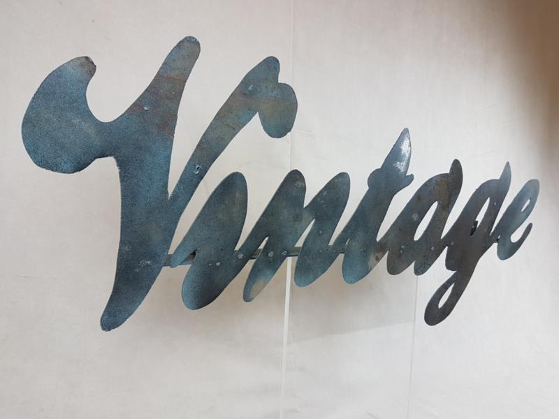 Metalen wandbord VINTAGE (108x38cm) in andere woorden mogelijk!