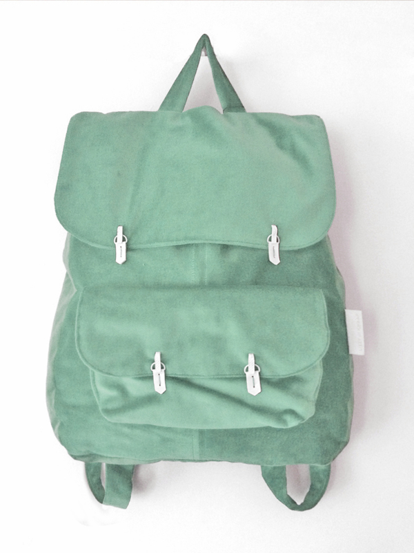 MINT GROEN VELVET RUGTAS - THE BACKPACK