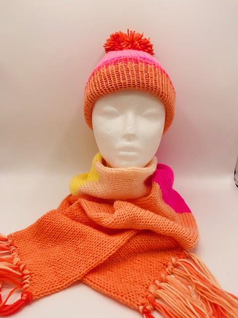 oranje/rose/kindersjaal met beanie